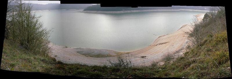 Le niveau du lac est très bas