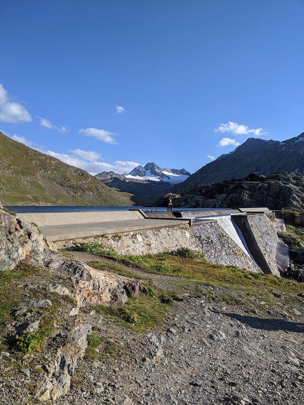 Le barrage près du refuge, où on passera la nuit
