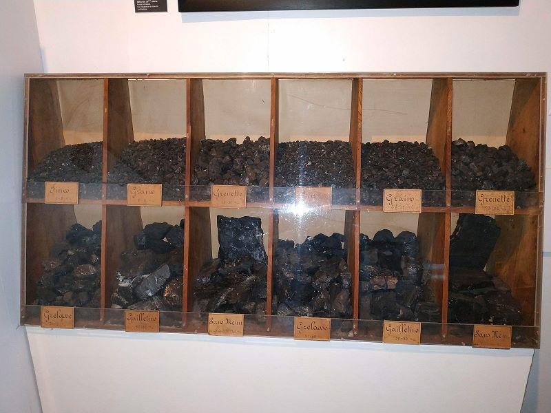 Les différentes sortes de charbon vendues par la mine.